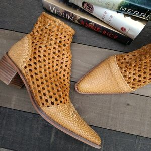 FREE PEOPLE In The Loop Woven Leather Boots 41